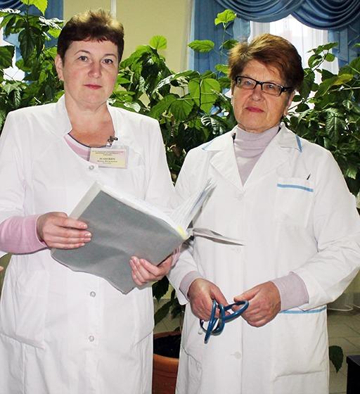 Фельдшер И. Пацевич и врач-терапевт В. Кишкович