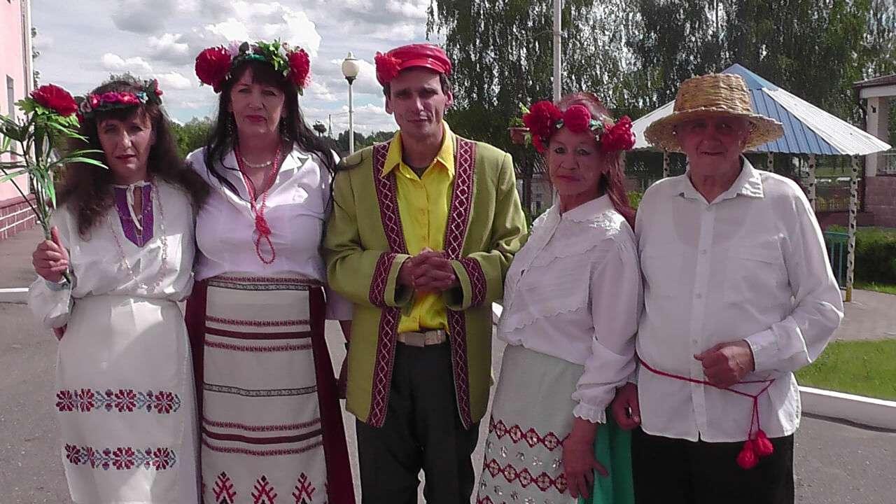 В этот день Иван Купала дарит радостей немало