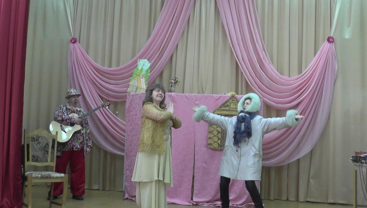 Как баба Яга дочь замуж выдавала